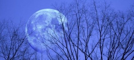 Lua-azul-720x320
